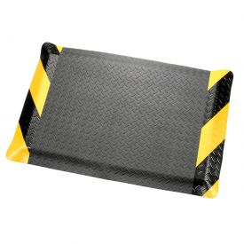 "Diamond Plate Ergonomic Mat 48 Inch Wide 9/16"" Thick Black/Chevron"