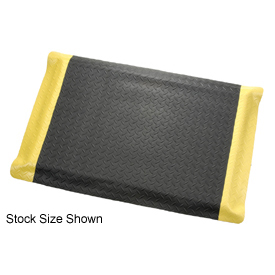 "Diamond Plate Ergonomic Mat 15/16"" Thick 24""W Full 75Ft Roll Black/Yellow Border"